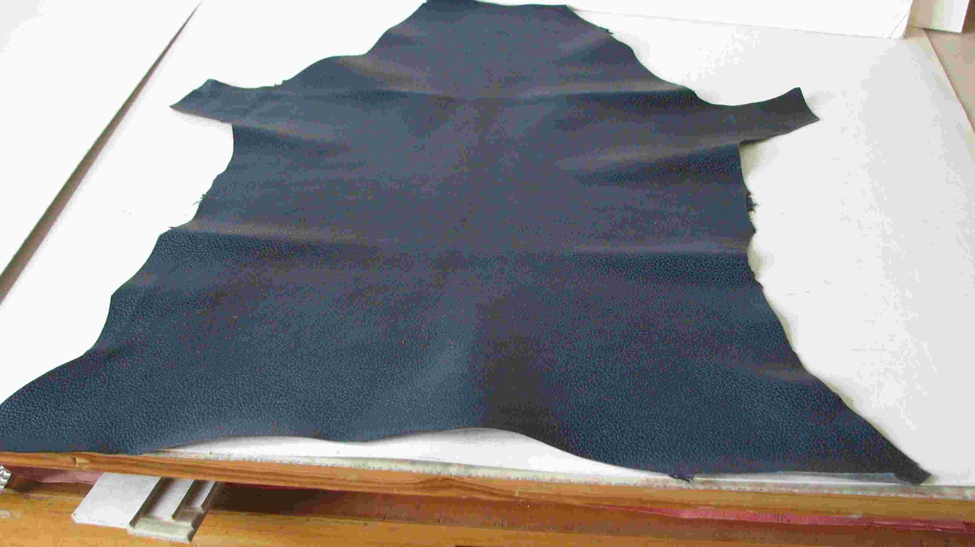 blauw-geverfd-italiaans-geiteleer-voor-gronings-gebedenboek-hs-add-360.jpg